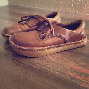 Earth Brand Comfortable leather shoes.